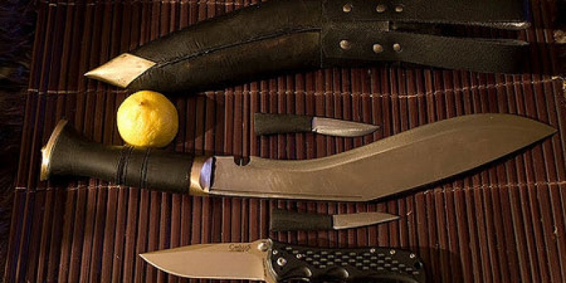 kukri-machete-with-sheath